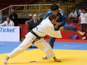 Felipe Kitadai conquista ouro na Copa do Mundo de judô