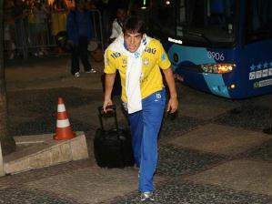 kaká chega ao recife para jogo com paraguai