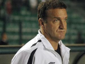 A derrota desta quarta deixou o técnico Cuca em situação complicada no comando da equipe, que não...