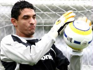 Fabio Costa, goleiro, durante treino do Santos, ex-Corinthians