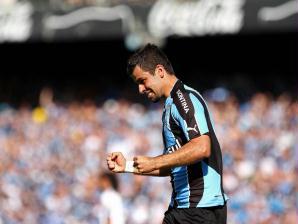 André Lima comemora o primeiro gol gremista no Estádio Olímpico