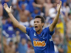 O Palmeiras saiu na frente, mas Henrique empatou para o Cruzeiro