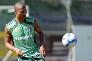 André Luis, zagueiro do Fluminense