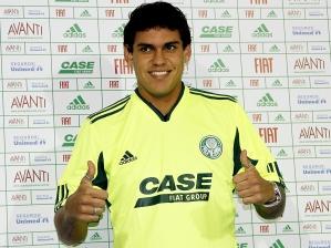 http://esporte.ig.com.br/images/240/240/38/7698606.us_fabricio_palmeiras_ig_esporte_224_299.jpg