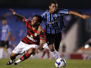 http://esporte.ig.com.br/images/3/3/3/1273545.rafael_carioca_225_300.jpg