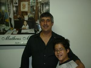 Roberto William Miguel e o pequeno Matheus. Pai e filho em campanha bem antecipada