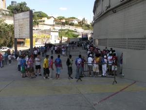 Torcida faz fila no Morumbi para ver o Bahia contra o Bragantino
