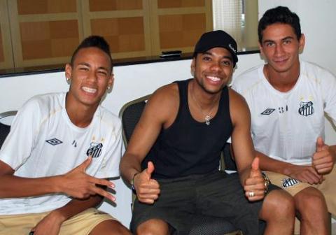 Qual seu time de futebol? - Página 5 7475750.neymar_robinho_e_paulo_henrique_ganso_336_480