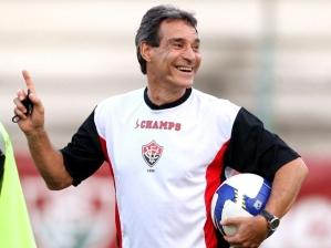 Paulo César Carpegiani é o novo treinador do Atlético-PR