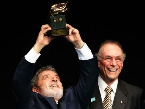 Presidente Luis Inácio Lula da Silva, recebe homenagem do Presidente do Comitê Olímpico Brasileir...