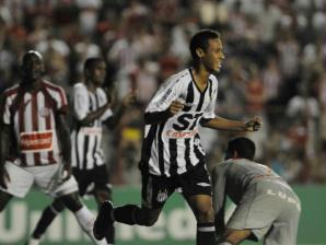 neymar marca pelo santos contra o náutico