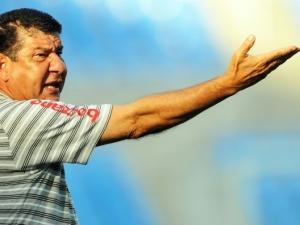 Joel Santana, treinador do Botafogo, durante Botafogo 3 x 1 Grêmio Prudente