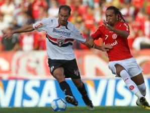Rodrigo Souto desfalca São Paulo no clássico