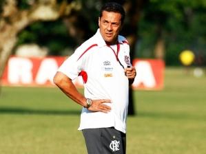 Vanderlei Luxemburgo, técnico do Flamengo, durante treino da equipe na Gávea
