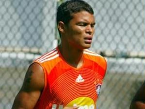 Thiago Silva e Gabriel treinam debaixo de sol forte com o Fluminense nesta segunda, no Rio de Jan...