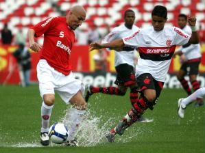 Chuva Impossibilita Futebol E Inter E Flamengo Ficam No 0 A