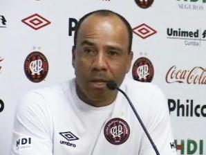 Sérgio Soares, técnico do Atlético-PR, durante coletiva após Atlético-PR 1 x 0 Palmeiras