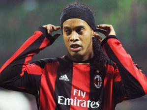Ronaldinho Gaúcho, meio-campista do Milan