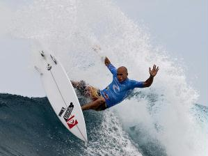 O surfista norte-americano Kelly Slater, que conquistou seu 10º título mundial em  Porto Rico