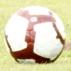 Gilberto, meia do Cruzeiro, alonga durante treino na manhã desta terça