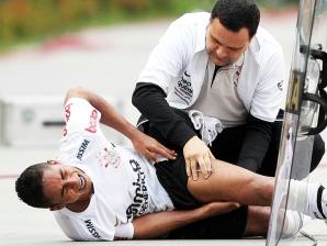 Jorge Henrique, do Corinthians, após sofrer lesão na coxa na partida contra o Ceará