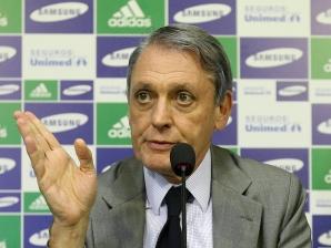 GIlberto Cipullo, vice-presidente de futebol do Palmeiras, em coletiva no dia 18/5/2010