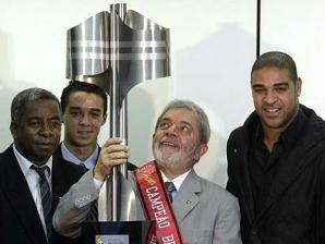 969dc6f3a7 Lula recebe elenco do Flamengo campeão brasileiro - iG Esporte ...