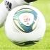 Tinga, meio-campista do Internacional, encara a marcação de Ekana, durante partida do Mundial de ...