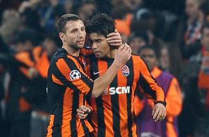Eduardo comemora um dos gols da vitória do Shakthar