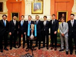 Finalistas da ATP posam para foto com o primeiro-ministro brit�nico David Cameron