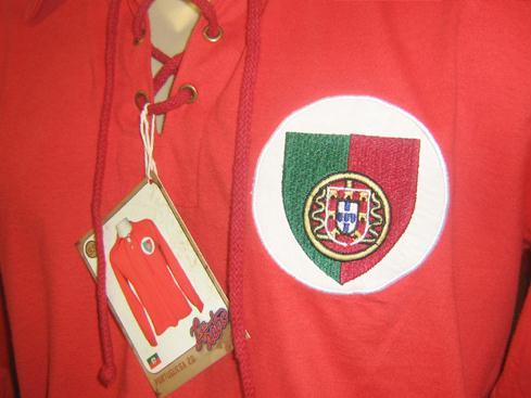 O modelo está disponível apenas no site da Liga Retrô – www.ligaretro.com 938f4fbcf215c